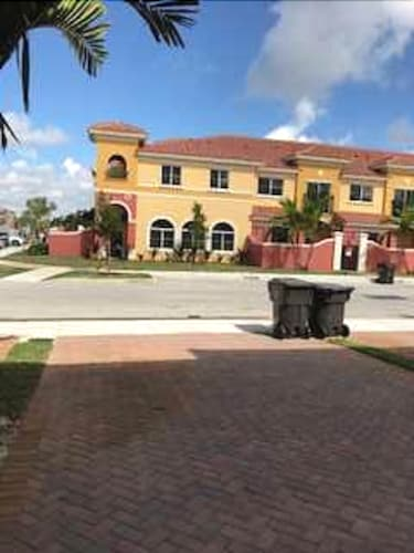 Great Place to stay Newly Built Town House With 2 Bedrooms Sleeps 4 Person With AC near Lauderdale Lakes
