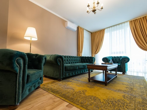 Deluxe 2 Bedroom Oradea Apartament