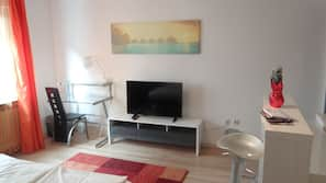 1 bedroom, in-room safe, iron/ironing board, Internet
