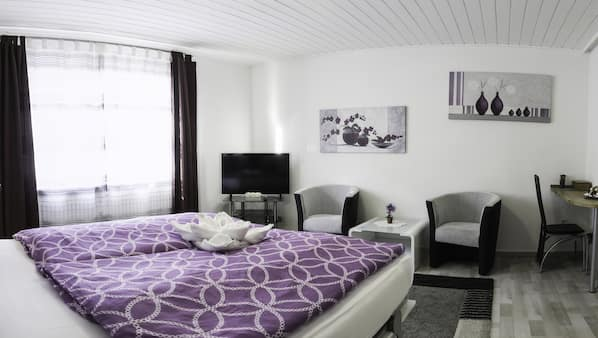 1 bedroom, in-room safe, iron/ironing board, WiFi