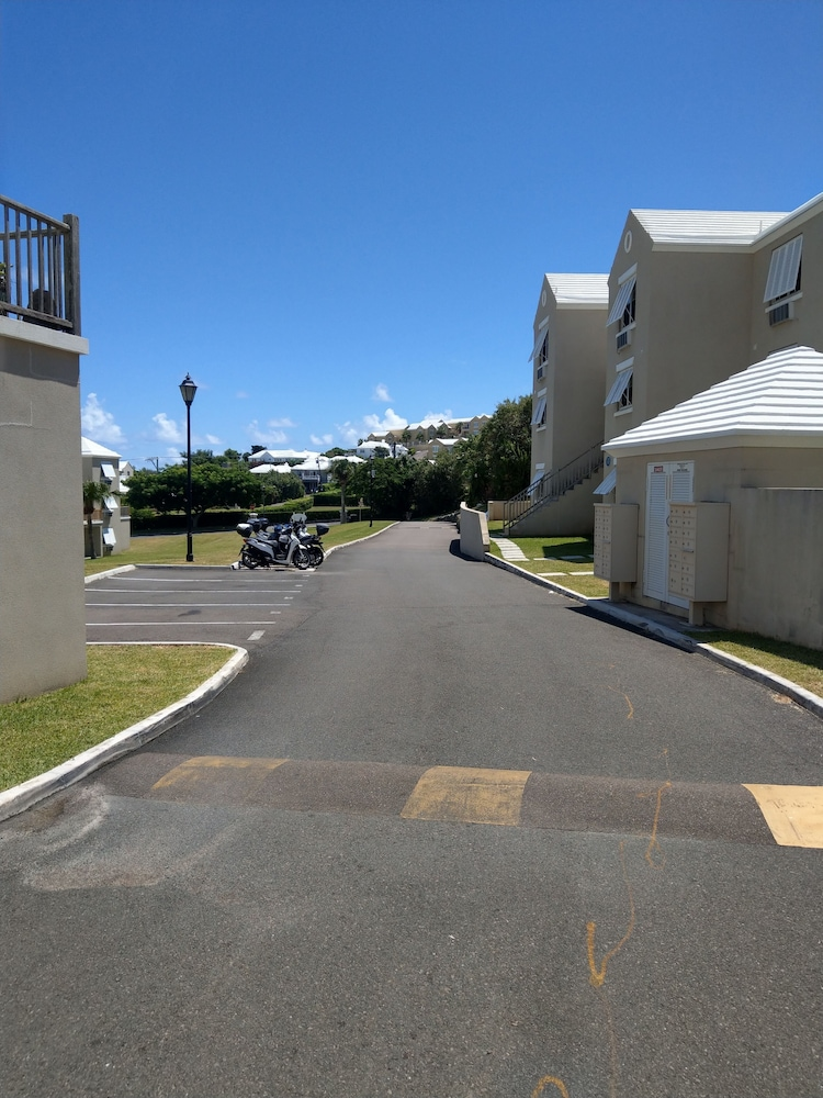 Exterior, Cozy Bermuda Home! 5 Minutes Walk To Beach / Groceries