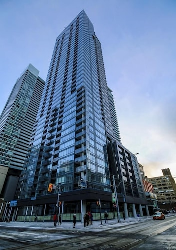 The Pinnacle on Adelaide, High Rise Big one Bedroom