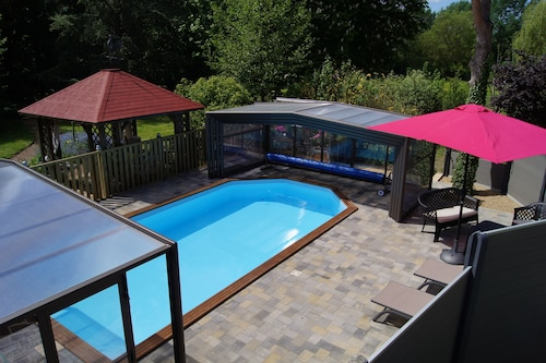 Charming Cottage 4/5 People With Access to the Heated and Covered Swimming Pool