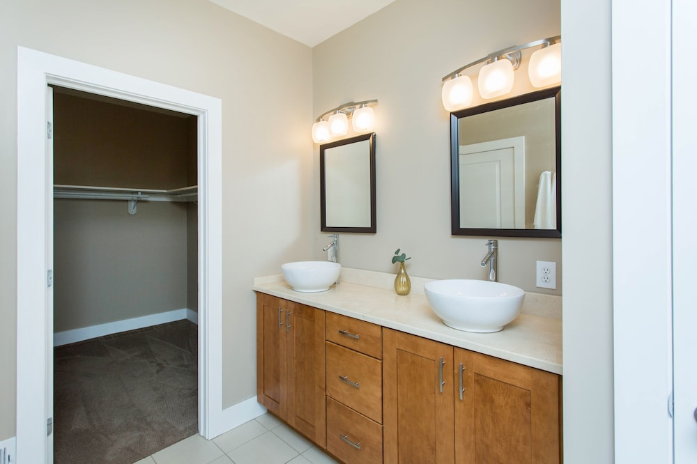 Bathroom, Saratoga gem.  Walk to everything from your beautiful new single level condo