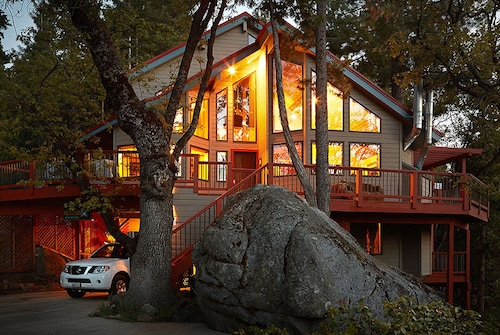 Inside Yosemite N.p. Gates!, Our Cozy Rooms Are Minutes From Valley Attractions