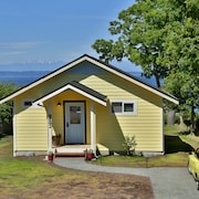 Beautiful Water Views At Whidbey Coho Cottage