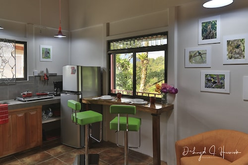 Studio Apartment With Volcano View, Form Terrace. HOT Breakfast Included Daily!