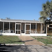 Lana Apartments One Bedroom Efficiency Unit #2 In Warm Mineral Springs