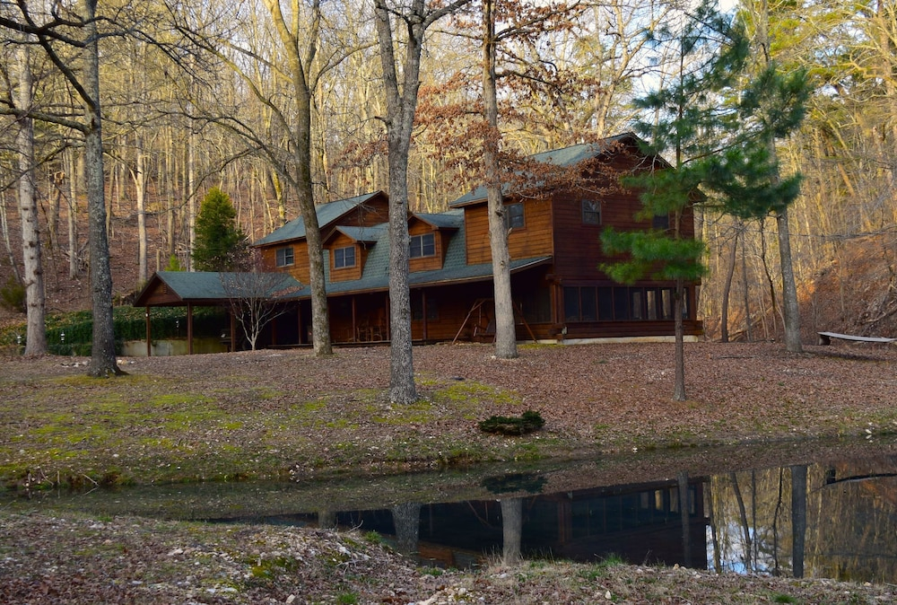 Property Grounds, Secluded Rustic Cabin W/wifi on 160 Acres Near Illinois River & Lake Tenkiller