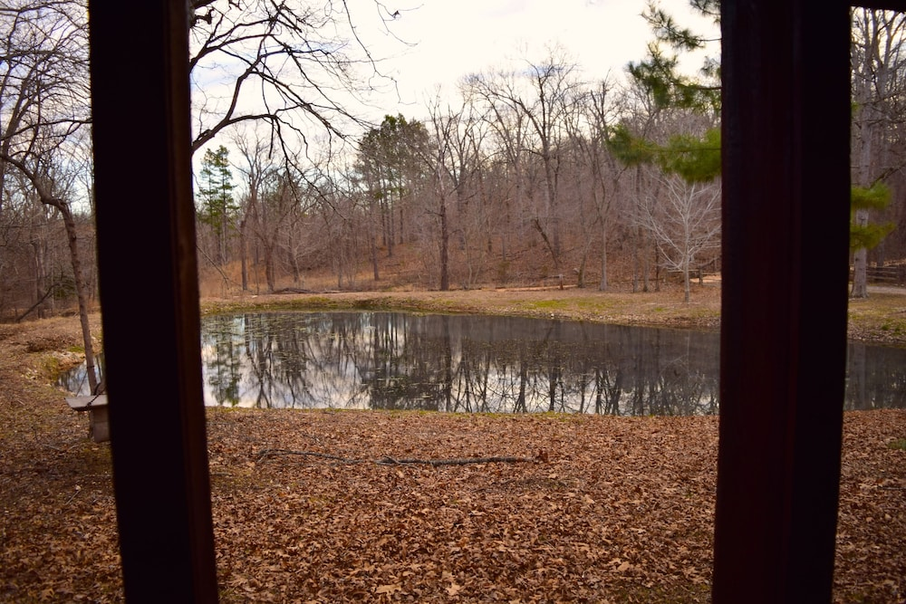 Pool, Secluded Rustic Cabin W/wifi on 160 Acres Near Illinois River & Lake Tenkiller