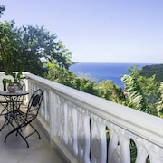 Exclusive Cottage of Bay Views Right Over Marigots Bay
