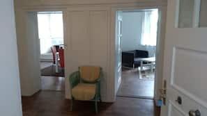 3 Schlafzimmer, Verdunkelungsvorhänge, Bügeleisen/Bügelbrett