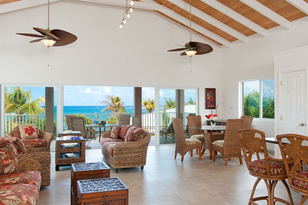 Living Room, Cruzan Sands Villa! Beachfront! Great for Couples! Fabulous Awesome Views!