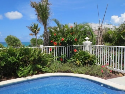 Pool, Cruzan Sands Villa! Beachfront! Great for Couples! Fabulous Awesome Views!