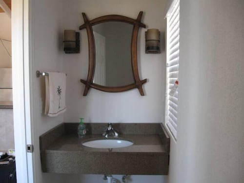 Bathroom, Cruzan Sands Villa! Beachfront! Great for Couples! Fabulous Awesome Views!