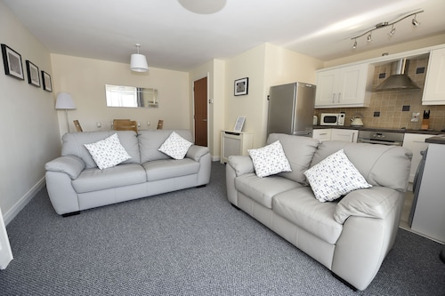 Deluxe Ballycastle Apartment Near the Beach on the Causeway Coast
