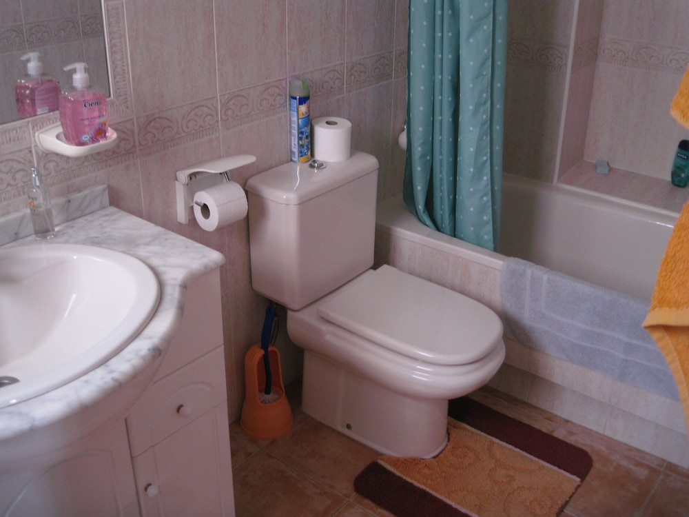 Bathroom, Fabulous Holiday Townhouse Poolside 800mtr. to the Beach Fully Air-conditioned