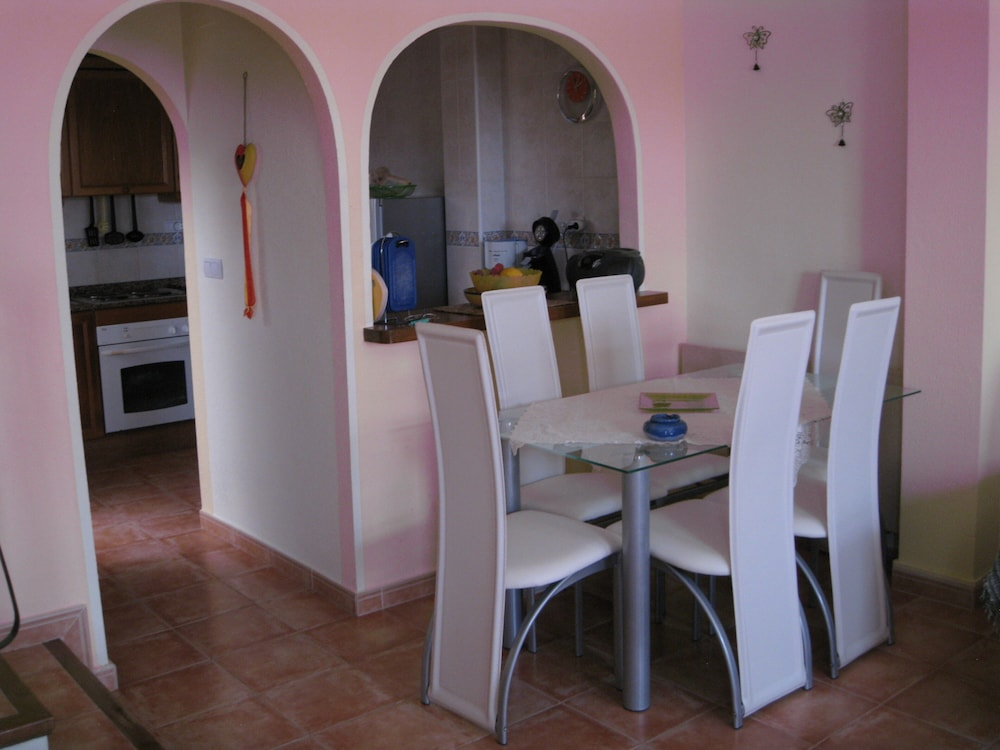 Private Kitchen, Fabulous Holiday Townhouse Poolside 800mtr. to the Beach Fully Air-conditioned