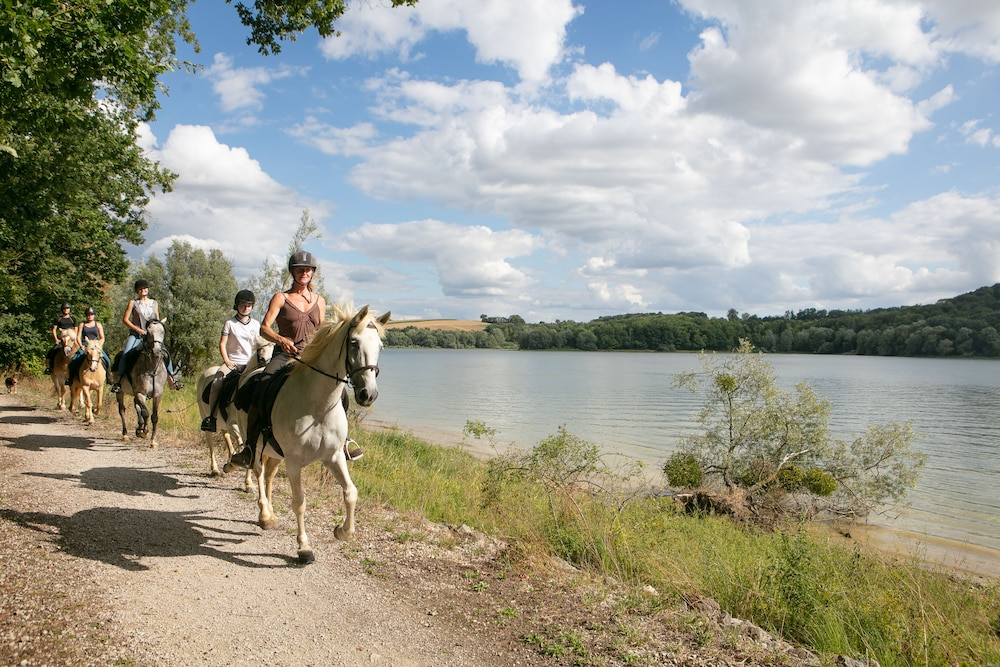 Horse Riding, Camping Lac de Liez