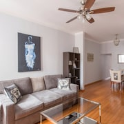 Large Apartment for 5!prime Location 1 Stop to Manhattan Greenpoint Williamsburg