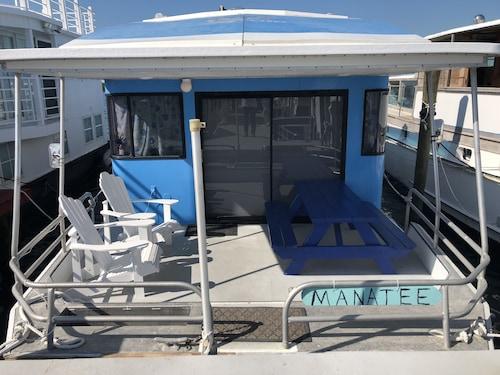 Islamorada Houseboat Rentals: Find Cheap $107 Houseboat