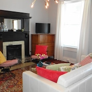 Hip Chattanooga Downtown Digs With Great Style and Comfort! Great Location
