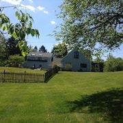 Pool and Privacy! Country Chic Near Hip Urban Town