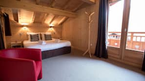 5 bedrooms, premium bedding, in-room safe, desk
