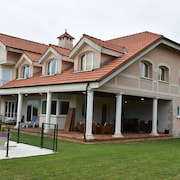 Individual Chalet, Swimming Pool, Pediment, Gym, Sauna, Turkish Bath, Jacuzzi