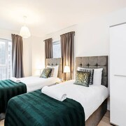 Ensuite Apartment With Free Allocated Parking- Giaa Homes
