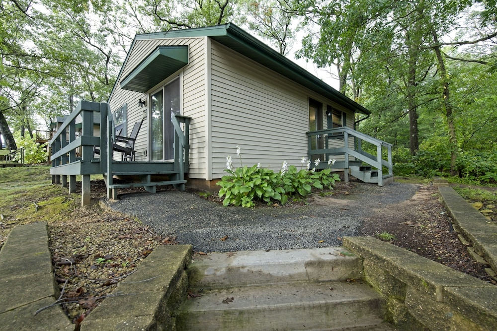 Christmas Mountain Village Wisconsin Dells 2 Bedroom Cottage In Wisconsin Dells Hotel Rates Reviews On Orbitz