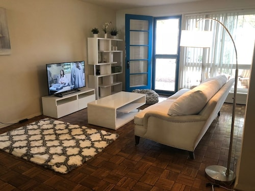 Spacious 2 BDR Lux+artsy, Mid-city, Grove, Weho