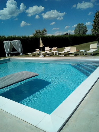 Rentals 10 km From PD - With Garden and Pool
