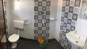 Dusj og kostnadsfrie toalettartikler
