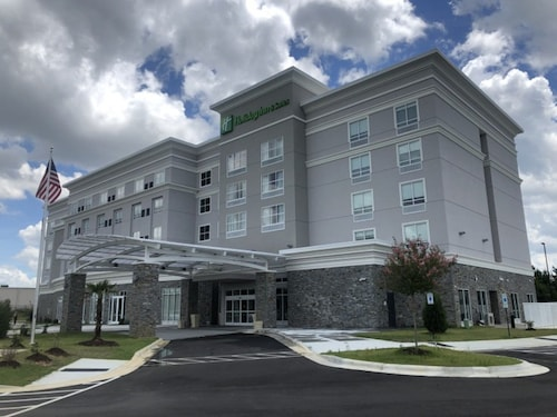 Holiday Inn Hotel And Suites Fayetteville W-Fort Bragg Area, an IHG Hotel