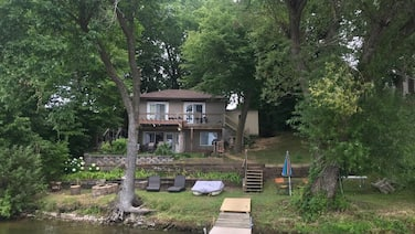 Fish/Relax/Work/ close to Twin Cities and outlet Mall. Sleeps 6