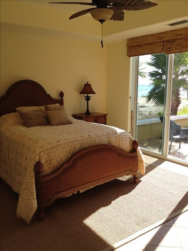 Room, Ocean Front, Private Swimming Pool With Miles of Sandy Beaches
