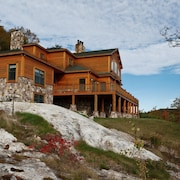 Grand White Mountain Home