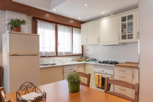 Mundaka Home E-bi 260, With Good Access, Kitchen / Lounge / 2hab. Wifi, Parking