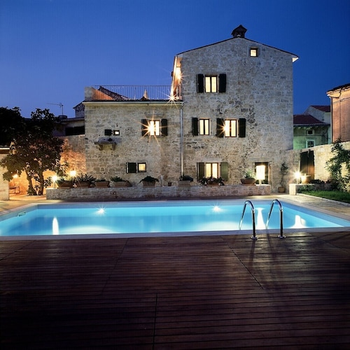 Luxurious Villa Located in the Renaissance Town Svetvincenat