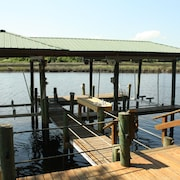 Fishing And Boating Getaway Close To Everything
