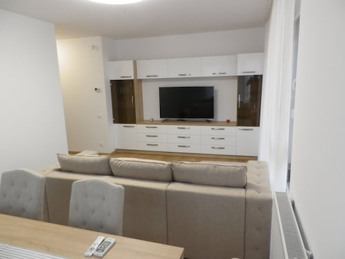 Modern 2 Bedroom Apartment by Kaufland & Lotus 2 Shopping Area in Oradea