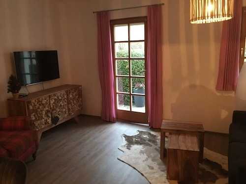 Apartment Watzi. New! Only a few Minutes Walk to the Center of Berchtesgaden / Castle
