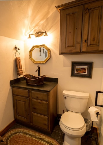 Bathroom, Gorgeous Newly Remodeled Log Cabin at Tiny Timbers Resort!