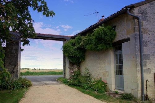 House With Character, Very Peaceful Near the Loire Valley !