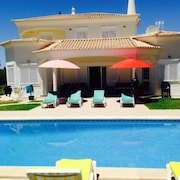 House With Private Pool 10 Minutes of the Sea With Wifi