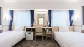 In-room safe, desk, free wired internet, linens