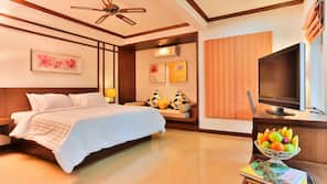 5 bedrooms, in-room safe, blackout drapes, iron/ironing board