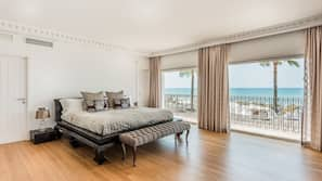Frette Italian sheets, premium bedding, memory foam beds, in-room safe