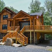 Hemlock Hideaway 6 Bedroom House
